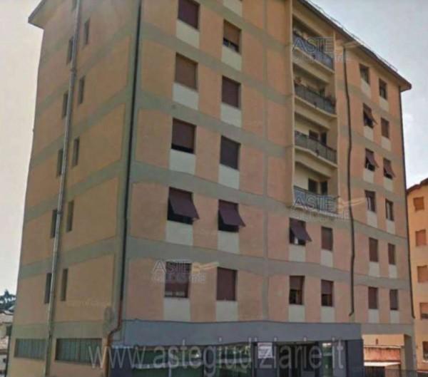 Appartamento in vendita a Pistoia, Centro, 94 mq
