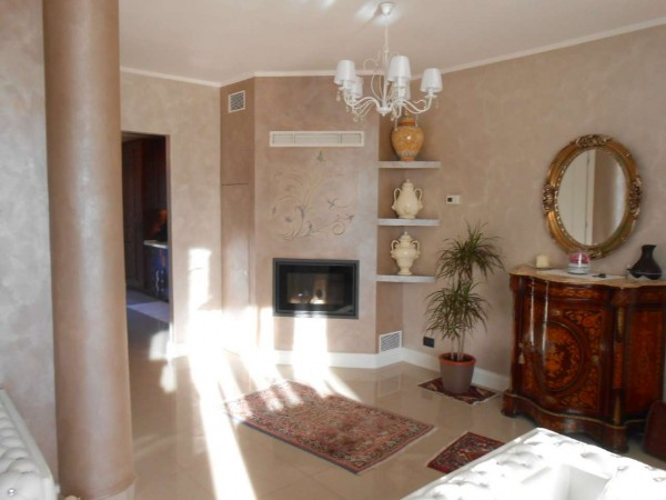 Villa in vendita a Chieve, Residenziale, Con giardino, 189 mq