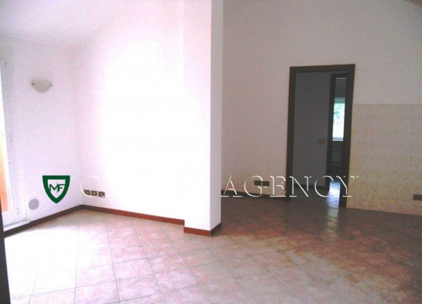 Appartamento in vendita a Induno Olona, Con giardino, 85 mq