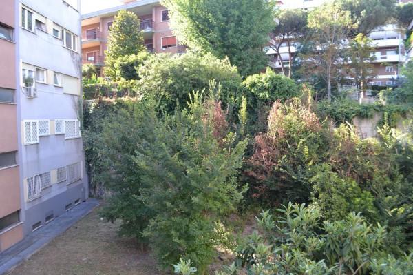 Appartamento in vendita a Roma, Mostacciano, 60 mq
