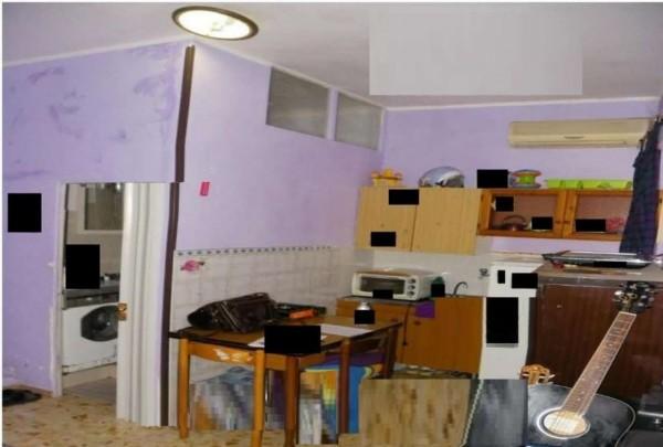Appartamento in vendita a Velletri, 25 mq
