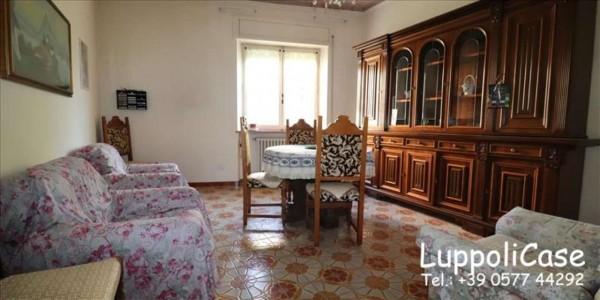 Appartamento in vendita a Siena, Con giardino, 101 mq
