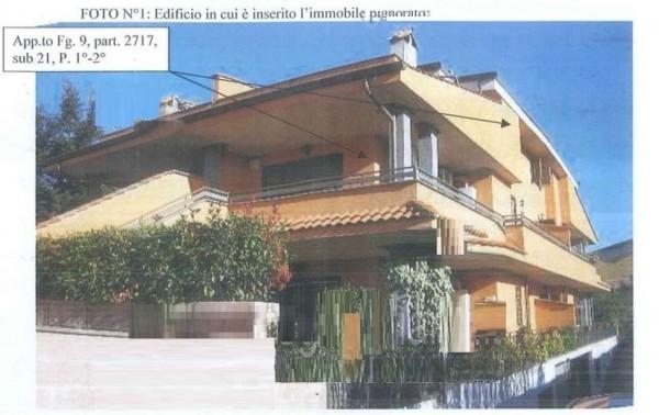 Villetta a schiera in vendita a Lariano, Con giardino, 96 mq