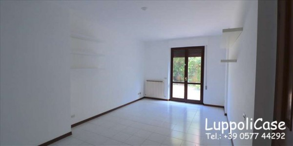 Appartamento in affitto a Siena, Con giardino, 75 mq