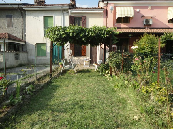Villetta a schiera in vendita a Quargnento, Con giardino, 100 mq