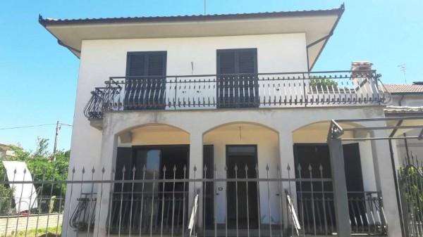 Villa in affitto a Vetralla, Con giardino, 180 mq