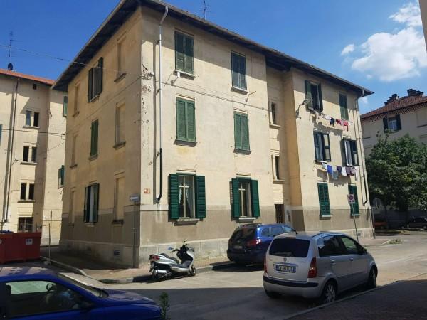 Appartamento in vendita a Venaria Reale, Centrale, 45 mq