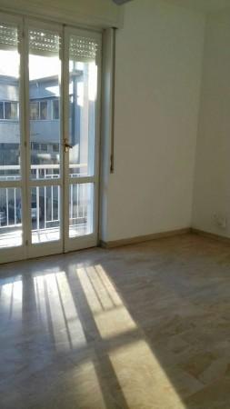 Appartamento in affitto a Garbagnate Milanese, Centro, 70 mq