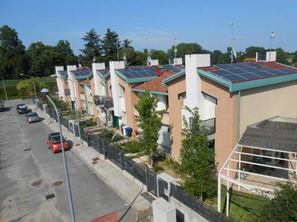 Villetta a schiera in vendita a San Colombano al Lambro, Residenziale A 1 Km Da San Colombano Al Lambro, Con giardino, 169 mq