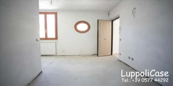 Appartamento in vendita a Monteriggioni, Con giardino, 65 mq