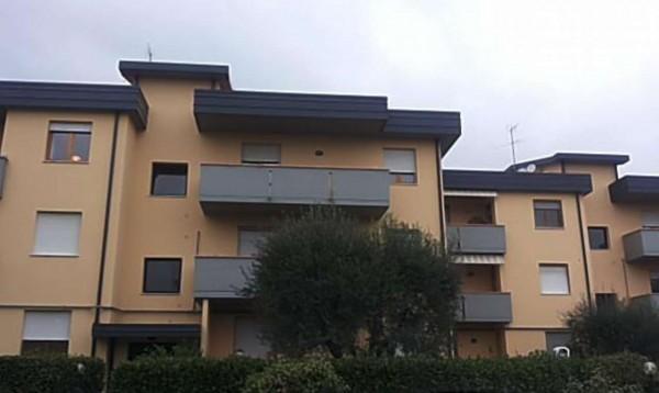 Appartamento in vendita a Prato, 91 mq