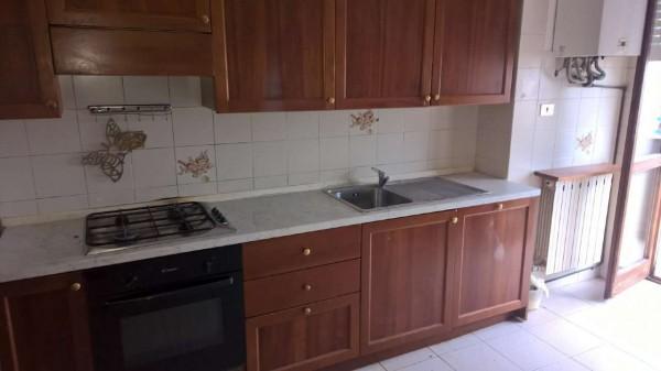Appartamento in vendita a Corbetta, Semicentrale, Con giardino, 80 mq