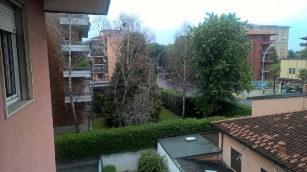 Appartamento in vendita a Magenta, Centro, Con giardino, 90 mq