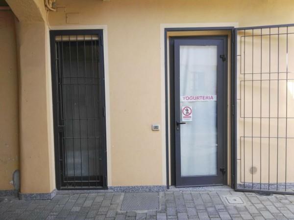 Locale Commerciale  in vendita a Rho, Centro, Arredato, 60 mq - Foto 2