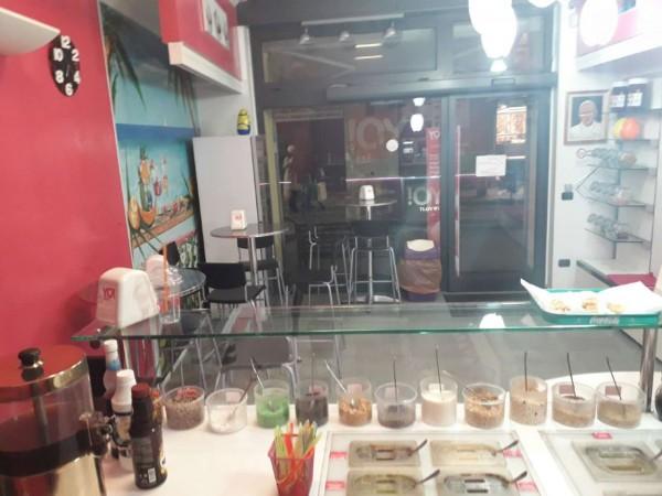 Locale Commerciale  in vendita a Rho, Centro, Arredato, 60 mq - Foto 5