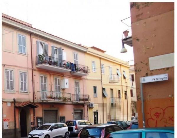 Locale Commerciale  in vendita a Genzano di Roma, 80 mq