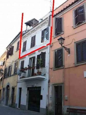Appartamento in vendita a Velletri, 100 mq