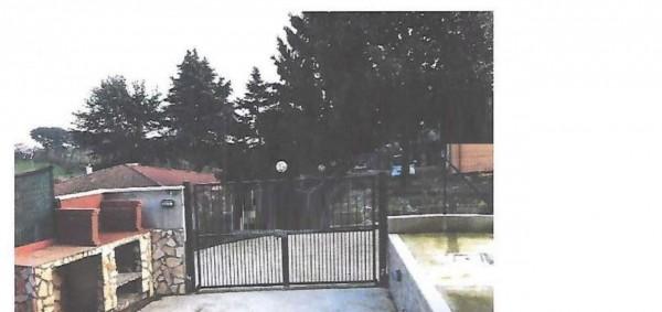 Appartamento in vendita a Velletri, 76 mq
