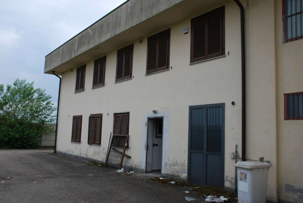 Capannone in vendita a Piobesi Torinese, Industriale/artigianale, 220 mq