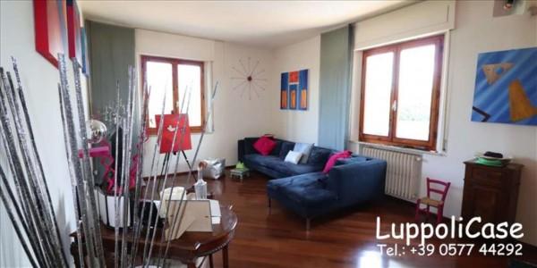 Appartamento in vendita a Siena, Con giardino, 143 mq