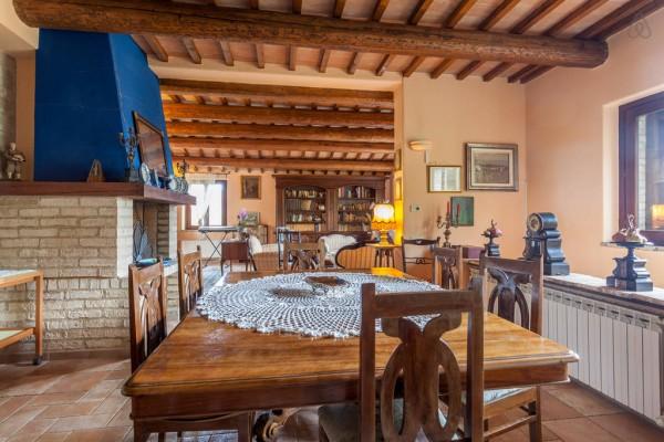 Rustico/Casale in vendita a Perugia, Perugia, Con giardino, 400 mq