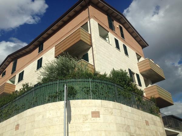 Appartamento in vendita a Perugia, Ripa, 82 mq