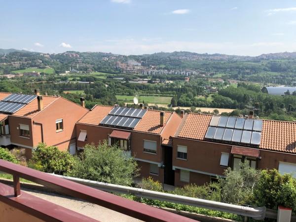 Villa in vendita a Perugia, Ferro Di Cavallo, Con giardino, 250 mq