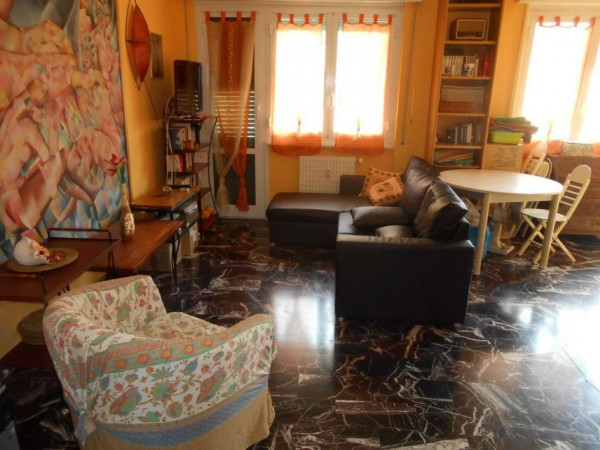 Appartamento in vendita a Genova, Adiacenze Via Carrara, 120 mq