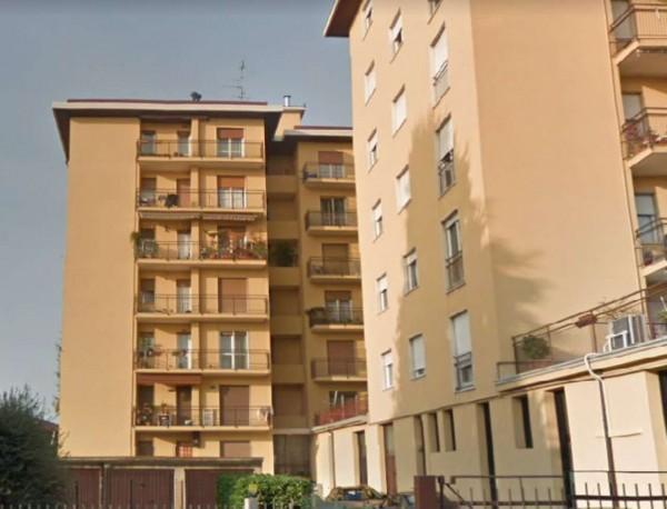 Appartamento in vendita a Cardano al Campo, Residenziale, Arredato, 80 mq