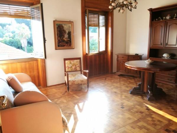 Appartamento in vendita a Imperia, 70 mq