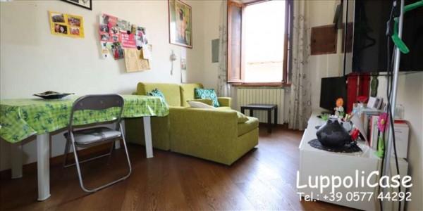 Appartamento in vendita a Siena, 63 mq