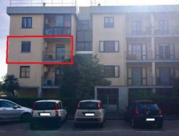 Appartamento in vendita a Prato, Tre Ville, 70 mq