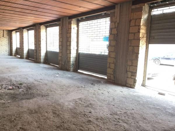 Locale Commerciale  in affitto a Cercola, 400 mq