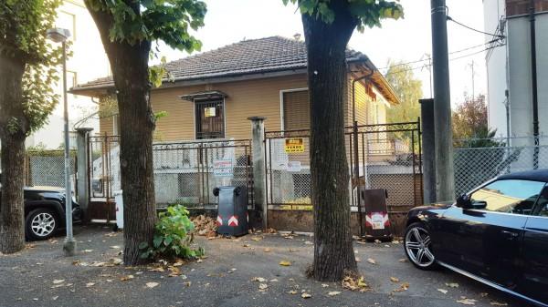 Casa indipendente in vendita a Alpignano, Centrale, Con giardino, 150 mq