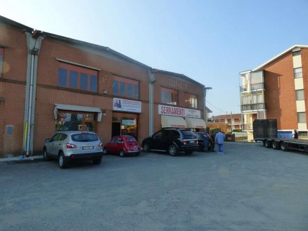 Capannone in vendita a Leinì, 650 mq