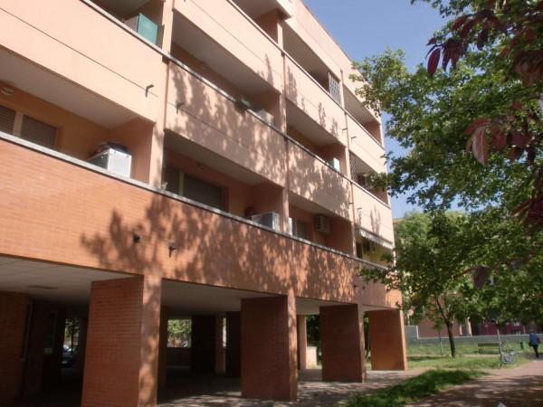 Appartamento in vendita a Bologna, Con giardino, 40 mq