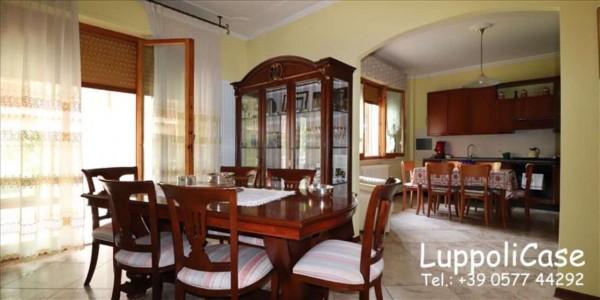 Appartamento in vendita a Siena, Con giardino, 102 mq