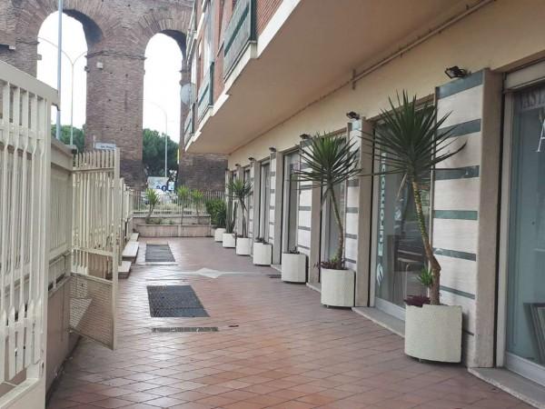 Negozio in affitto a Roma, Centocelle, 180 mq