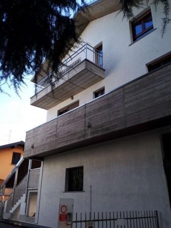 Appartamento in vendita a Cesate, Stazione, 80 mq