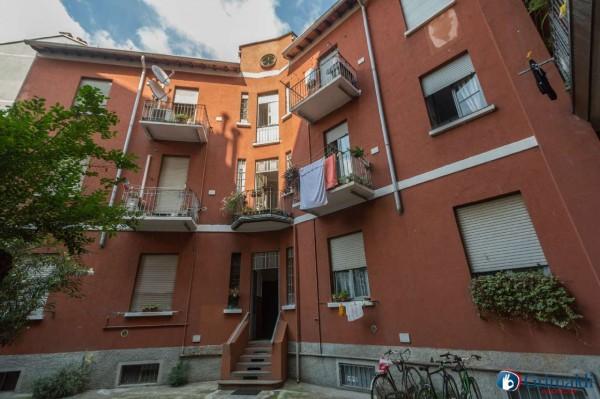 Appartamento in vendita a Milano, Arredato, con giardino