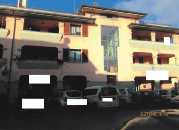 Appartamento in vendita a Prato, 100 mq