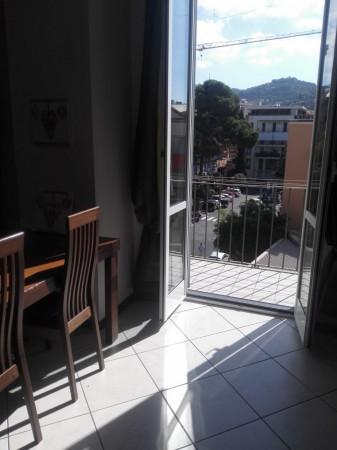 Appartamento in affitto a Imperia, 50 mq