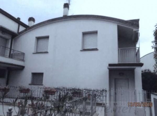 Casa indipendente in vendita a Prato, Con giardino, 112 mq