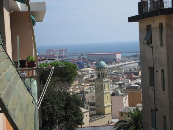 Appartamento in vendita a Genova, Cornigliano, 65 mq