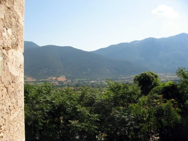 Locale Commerciale  in vendita a Capestrano, Periferia, Con giardino, 470 mq - Foto 2