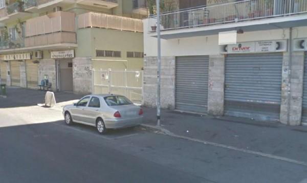 Negozio in vendita a Roma, Tuscolana, 40 mq