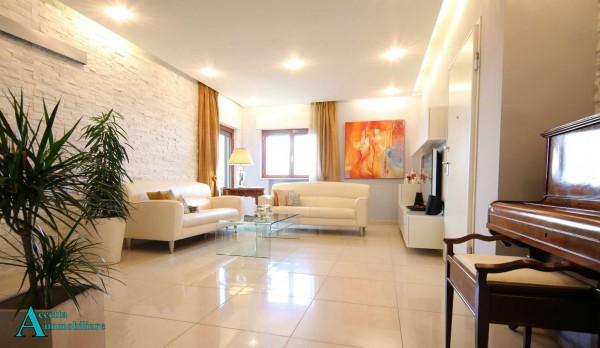 Appartamento in vendita a Taranto, Residenziale, Con giardino, 119 mq