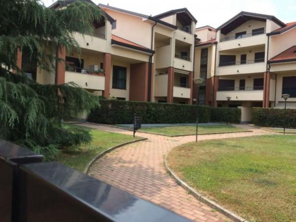 Appartamento in vendita a Cerro Maggiore, Con giardino, 63 mq