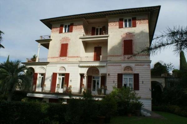 Appartamento in vendita a Chiavari, Centro, Con giardino, 55 mq