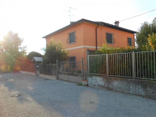 Villa in vendita a Crema, Via Indipendenza, Con giardino, 308 mq